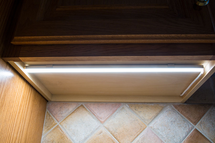 aluminum LED profiles with mounting clips