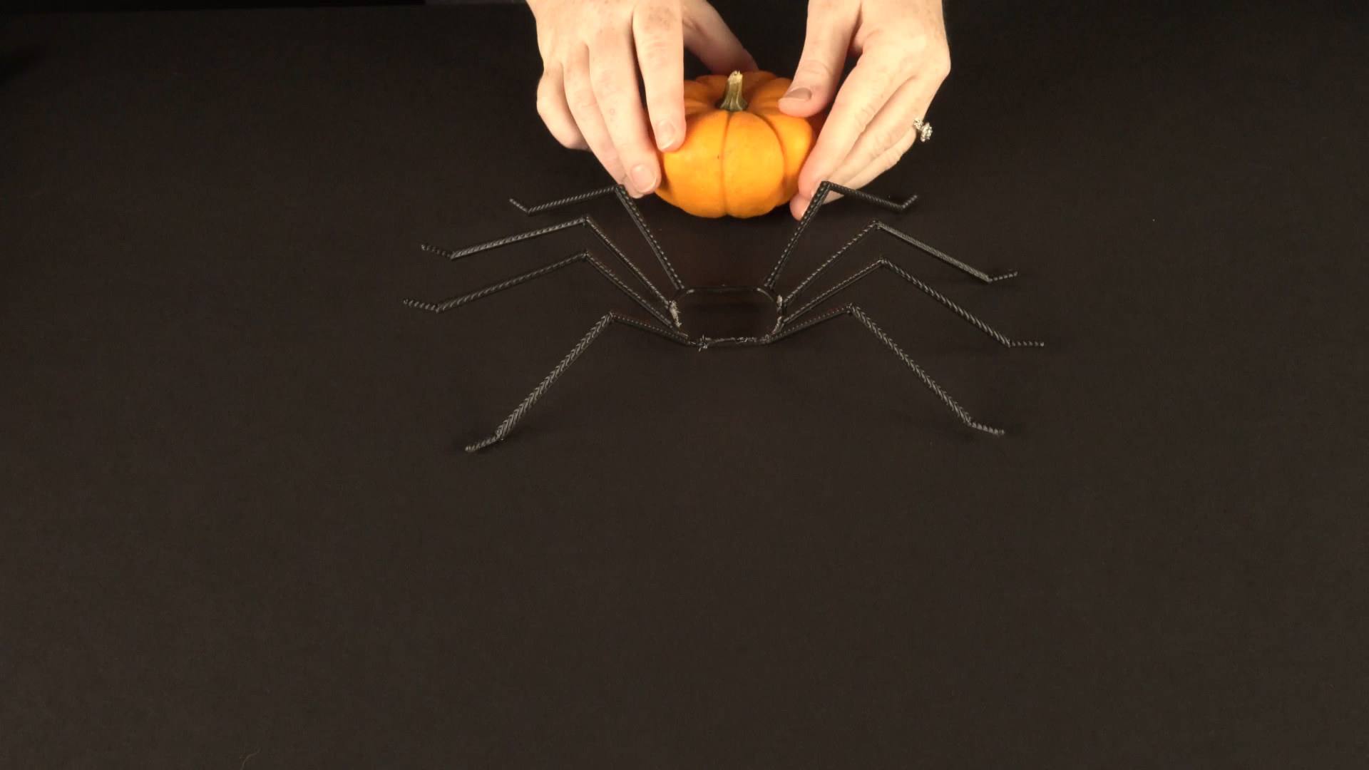 Halloween crafts with color-changing led tea lights - spider step 1