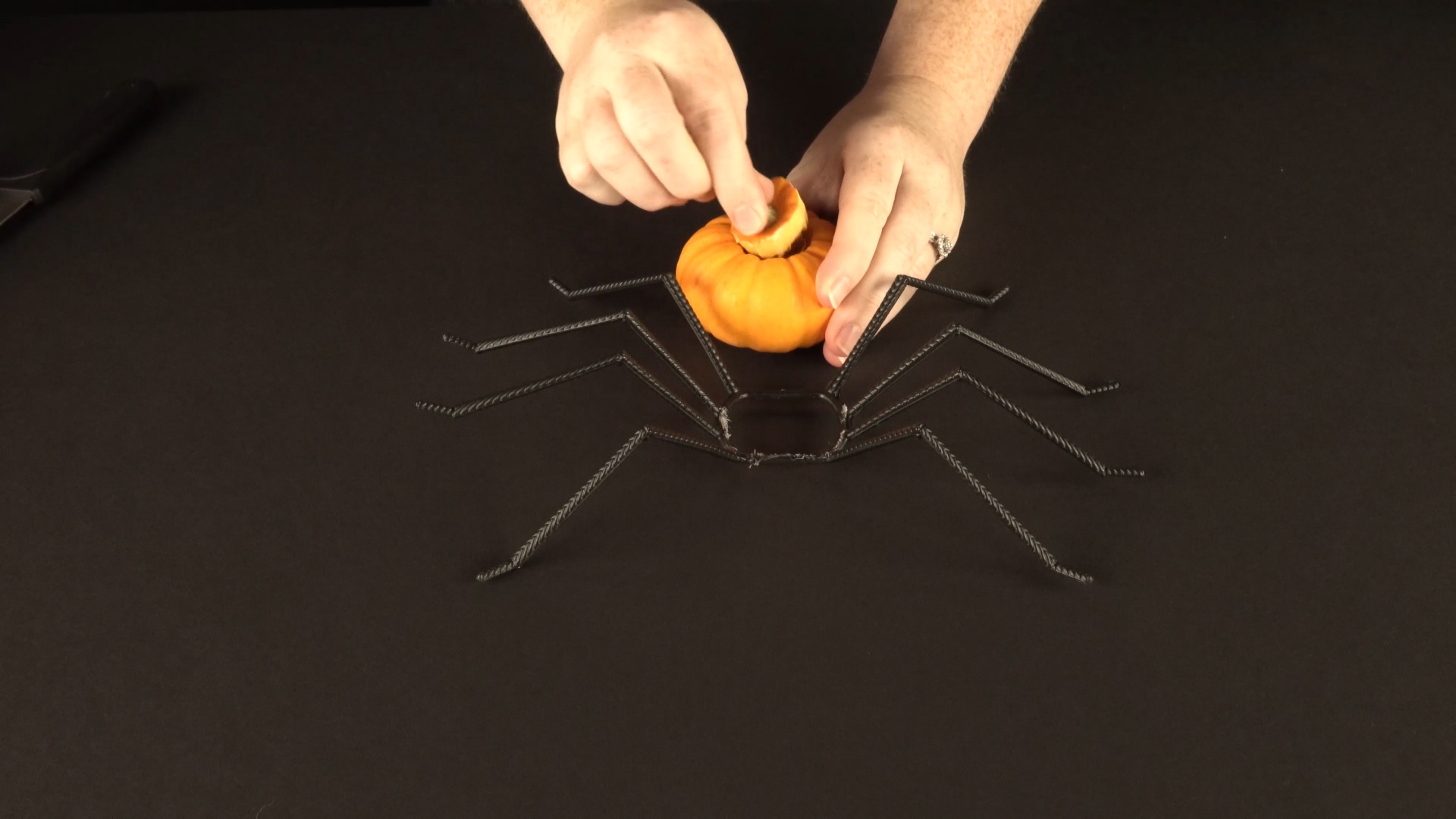 Halloween crafts with color-changing led tea lights - spider step 2