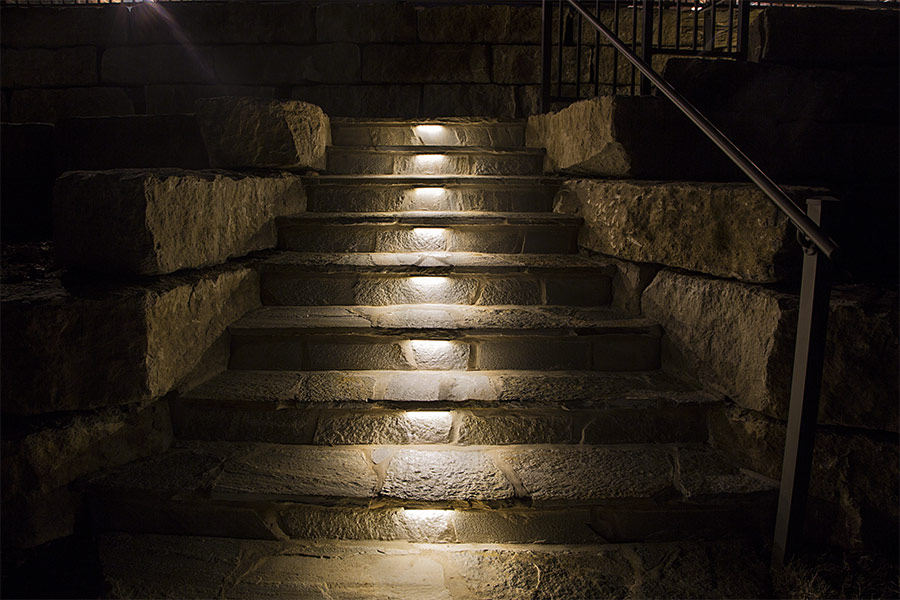 outdoor LED landscape lighting ideas - LED hardscape lights in stone steps