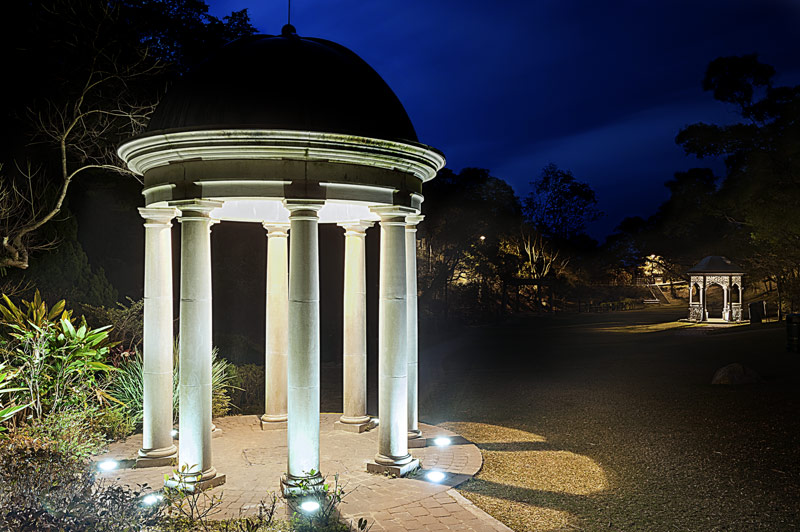 Landscape Lighting Design - well lights on columns