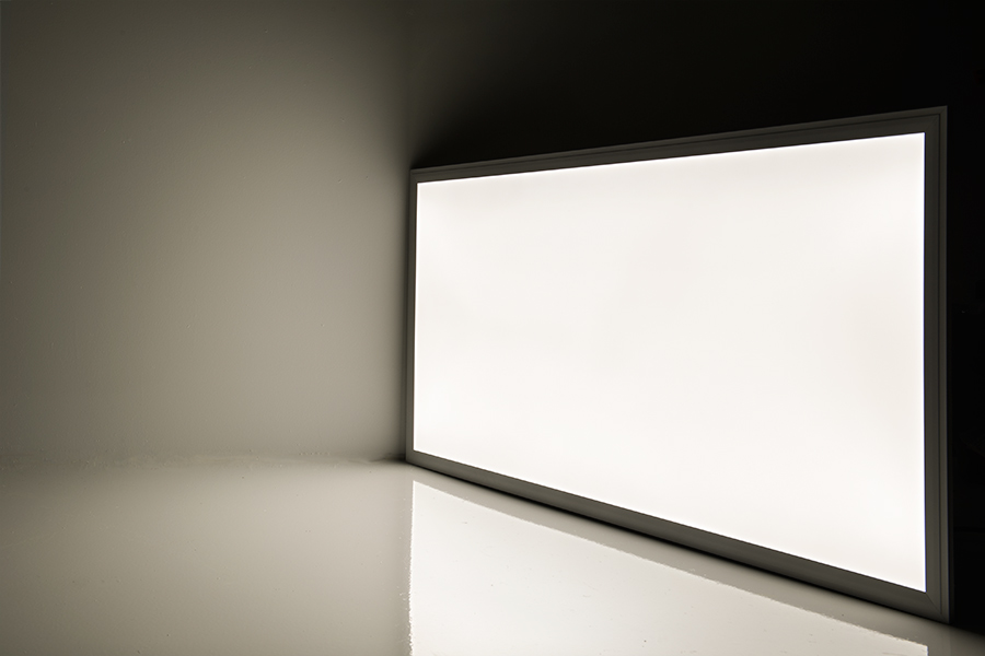 50w led panel light fixture 2ft x 4ft panel on showing beam pattern