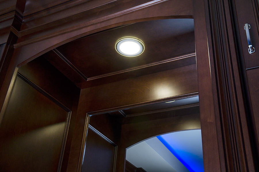 6 Round LED Recessed Light With Decorative Edge Lit Glass Panel Accent