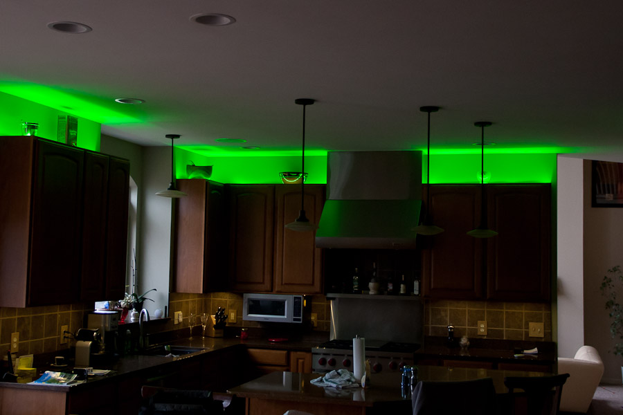 Cove Lighting Above Kitchen Cabinets