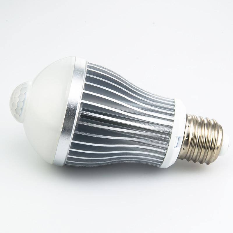 6 watt led a19 globe bulb with motion sensor outdoor security lights led home lighting. Black Bedroom Furniture Sets. Home Design Ideas