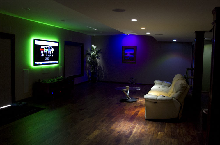 Color Chasing RGB LED Light Strip  LED Tape Light with 9 SMDsft