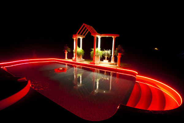 Outdoor led light strips with multi color leds for Eclairage exterieur piscine