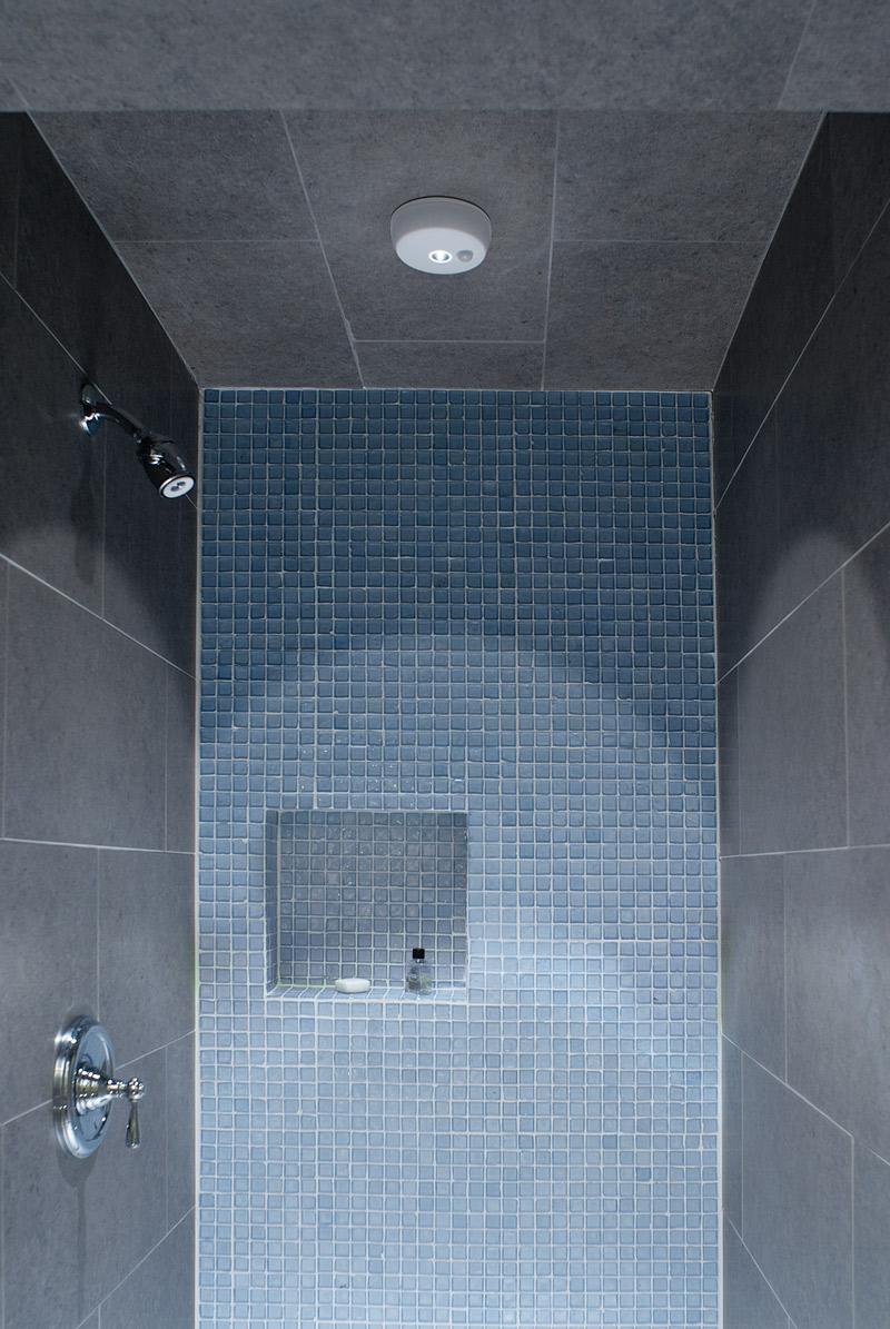 Wireless motion sensor led ceiling light by mr beams - Waterproof bathroom ceiling lights ...