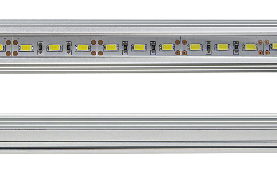 Corner mount aluminum led light bar fixture 1 440 lumens for Bar fixtures