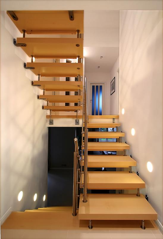 Lighting Basement Washroom Stairs: 40 Watt Equivalent Bi-Pin LED Tower