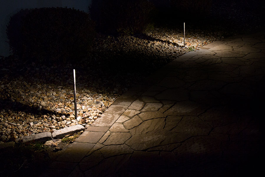 Landscape LED Path Lights w/ Offset Linear Light Head - 3 Watt Installed in Landscape Path : path led landscape lighting - azcodes.com