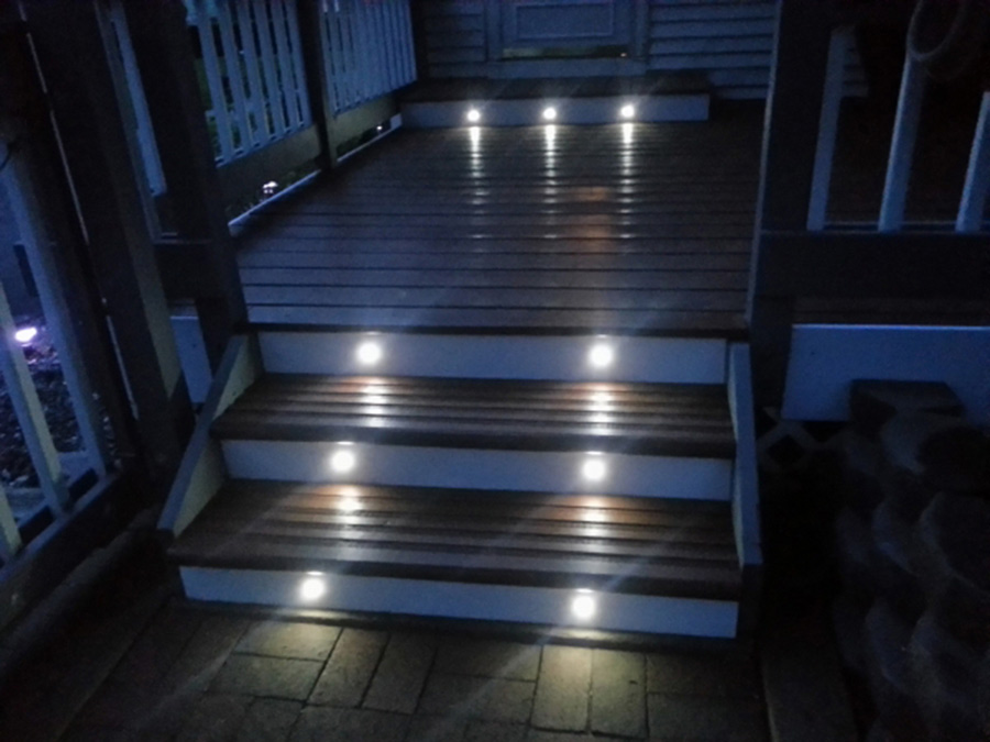 led step lights 1 watt 1 led mini round deck step light 60 lumens super bright leds. Black Bedroom Furniture Sets. Home Design Ideas