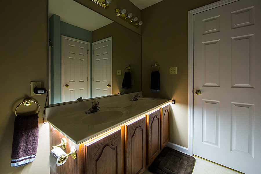 Strip lighting bathroom with popular minimalist for Bathroom strip light
