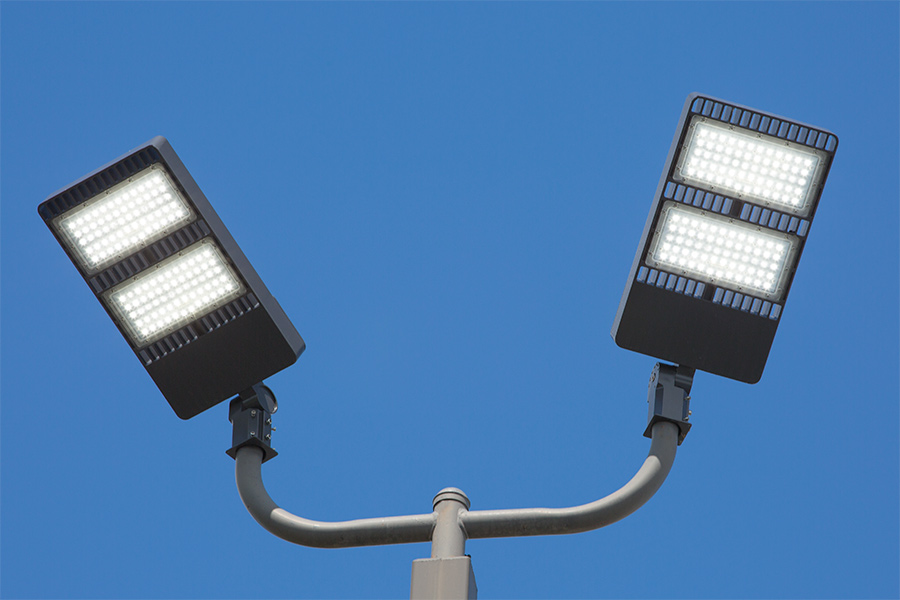 Superb APL X200   LED Parking Lot Light   200W (600W MH Equivalent) LED Shoebox  Area Light   5000K/3000K   23,700 Lumens