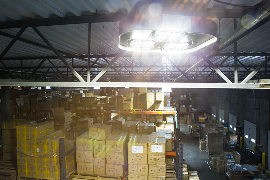 Modular led high bay light 150w installed in warehouse modular led high bay light 150w installed in warehouse