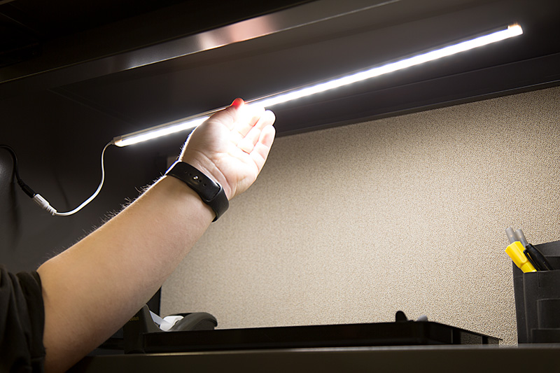 Linkable Led Under Cabinet Light Bar Seamless Connection 20 675 Lumens Magnetic Surface