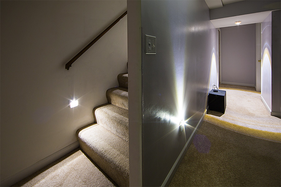 ReadyBright Wireless Power Outage LED Stair Light By Mr Beams Flash LED  Solution