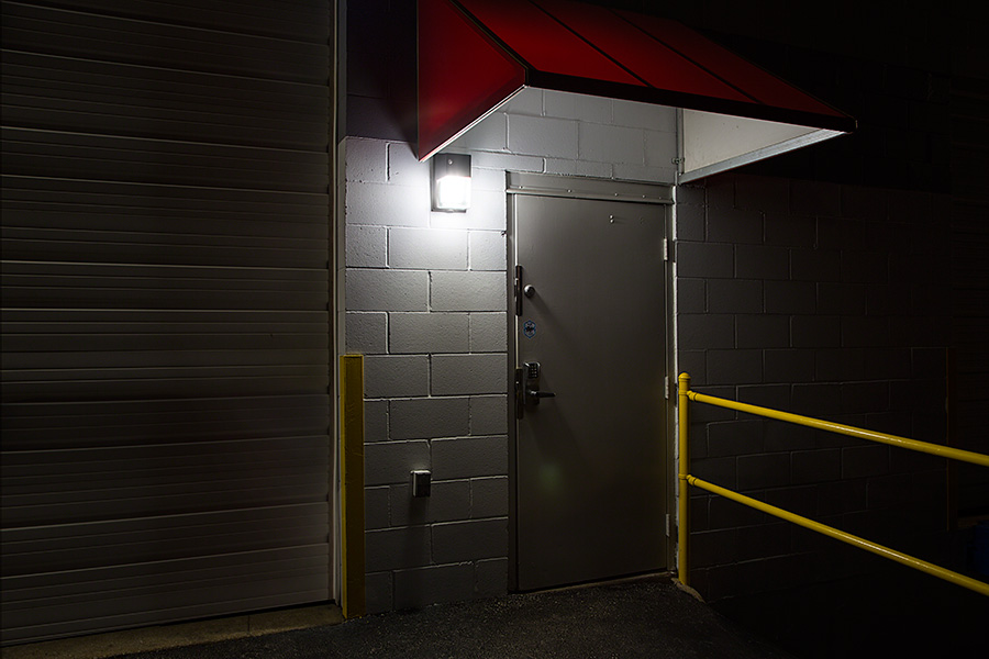 mini led wall pack 30w 175w mh equivalent 5500k4000k lumens installed outside warehouse door