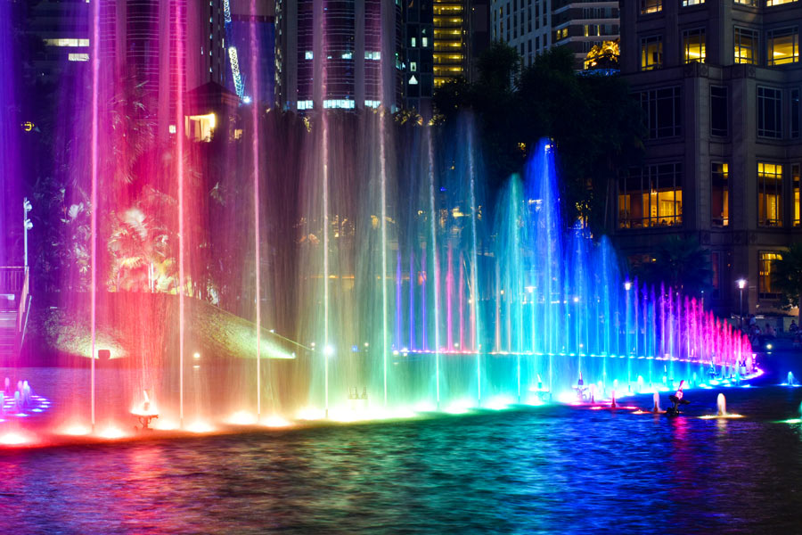 освещение фонтанов и бассейнов с помощью сетильников брилле