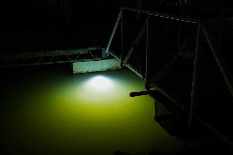 lights and dock lights single array 60w underwater led lighting. Black Bedroom Furniture Sets. Home Design Ideas