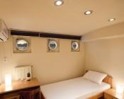 A21 LED Bulb - 80 Watt Equivalent - 24 VDC - 800 Lumens: Boat Cabin Lighting