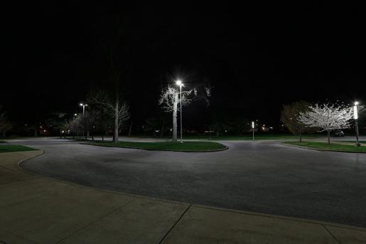 LED Parking Lot Light - 150W (320W MH Equivalent) LED Shoebox Area Light - 5000K - 15,000 Lumens - APL-x150-2048