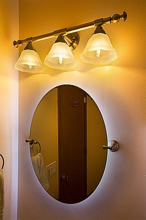 Led bathroom lights photo gallery super bright leds for Bathroom mirrors with lights behind